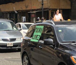 Protestan en autos contra AMLO en más de 50 ciudades