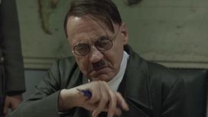 Despiden a empleado por usar meme de Hitler y gana demanda contra empresa
