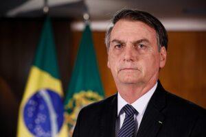 Jair Bolsonaro va contra Anonymous por revelar información privada de él y sus hijos