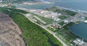 Dan contrato para nivelar terreno de Dos Bocas a empresa que fue creada cinco días antes