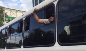 """""""Los obreros movemos a México, ridículos"""", exclama hombre en marcha antiAMLO"""
