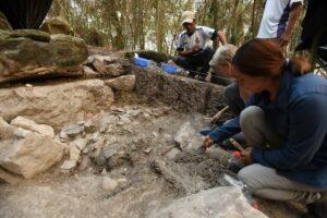 Arqueólogos descubren la estructura ceremonial más antigua de los mayas en Tabasco