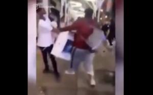 Sujeto roba iMac durante saqueos y dos jóvenes se la arrebatan