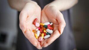 Un cóctel de medicamentos habría eliminado el VIH de un paciente en Brasil
