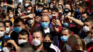 Aprueban multas y arresto a quienes no usen cubrebocas en Toluca