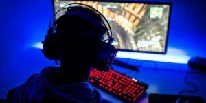 Joven gasta 21 mil dólares de sus padres en videojuegos