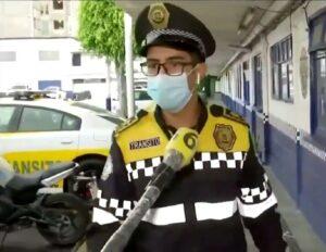 """""""Sin miedo al éxito"""": policía cuenta cómo ganó reto de lagartijas a instructor de gym"""