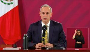 Reportero pide entregar estudios sobre cubrebocas a AMLO y López-Gatell lo regaña por imprimirlos