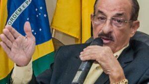 """Alcalde de Brasil ordena reapertura de comercios """"muera quien muera"""""""