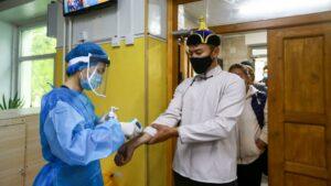¿Qué es la peste bubónica y cómo se transmite?