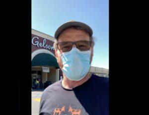 """""""Usa el maldito cubrebocas"""", pide Bryan Cranston tras recuperarse de la Covid-19"""