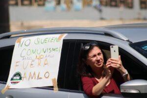 """Frente Anti AMLO hace cuarto """"bocinazo"""" en 19 ciudades del país"""