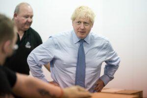 Reino Unido alista plan contra la comida chatarra