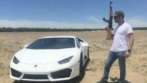 Youtuber pone a prueba un Lamborghini blindado