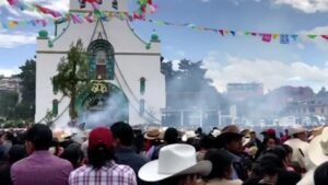 Indígenas de Chiapas celebran fin de clases pese a pandemia