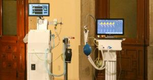 Gobierno presenta ventiladores médicos hechos por investigadores de Conacyt