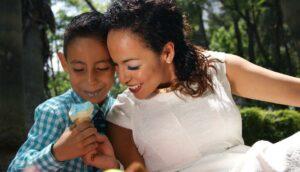 Gobierno de la CDMX pospone celebraciones del día de la Madre y el Padre