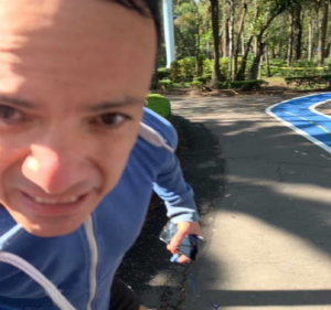 Denuncian en redes a sujeto que golpea a mujeres en Parque Hundido