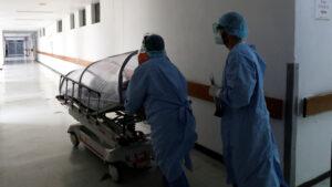 Médico relata cómo es un día en el área Covid de un hospital