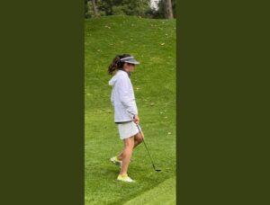 Exhiben a Ana Gabriela Guevara jugando golf en horas laborales