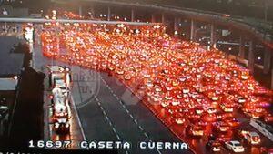Saturan caseta México-Cuernavaca pese a semáforo epidemiológico en naranja