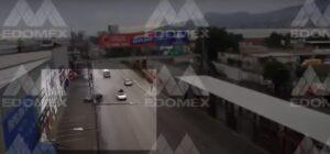 Auto choca y se parte en dos en la vía López Portillo, Edomex