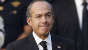 Calderón critica a AMLO por implementar programa educativo vía TV y no por Internet