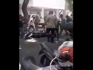 Ciudadanos golpean a dos presuntos asaltantes en la alcaldía Coyoacán