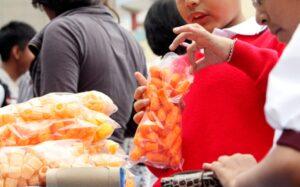 Gobierno de la CDMX también analiza prohibir la venta de comida chatarra a menores